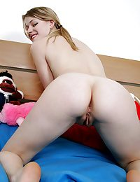 Glamour Belle - Naturally Marvelous First-timer Nudes