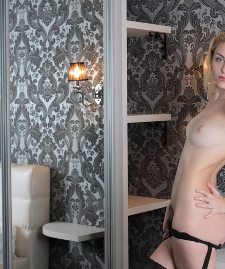 Nude cosset in stockings